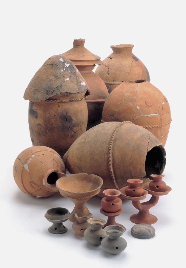 南摺ヶ浜遺跡の代表的出土品(県指定重要文化財)